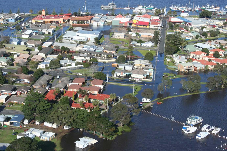 Coastal flooding at Lakes Entrance 2007. Source: Rex Candy East Gippsland Catchment Management Authority